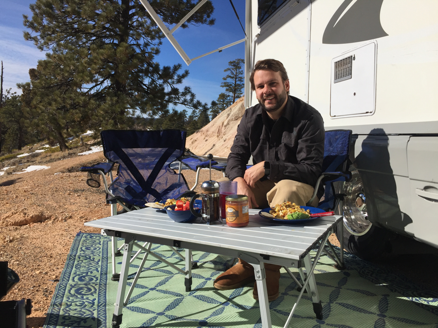 continental breakfast prepared outdoors at a scenic overlook in Bryce National Park