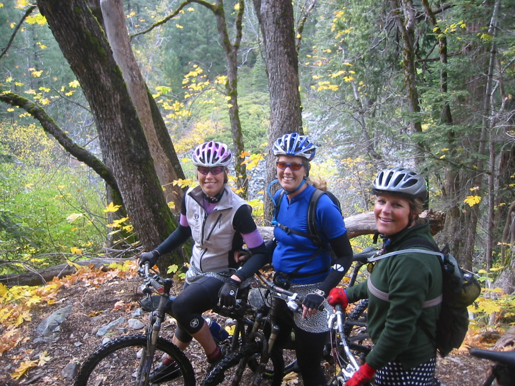fall colors throughout the Downieville downhill ride